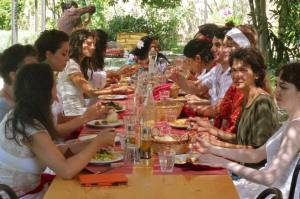 Dining in Tuscany with Friends